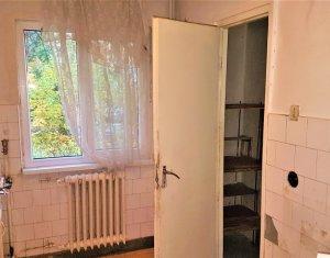 Vand apartament 3 camere decomandate Gheorgheni