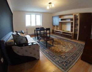 Apartament cu 2 camere, decomandat, 57 mp, recent renovat