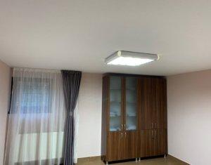 Vanzare apartament cu 3 camere in Gruia