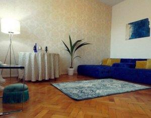 Apartament cu 2 camere, 50 mp, terasa, etaj 1/2, camere inalte, in Centru