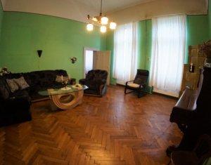 Apartament cu 4 camere, 103 mp, ULTRACENTRAL