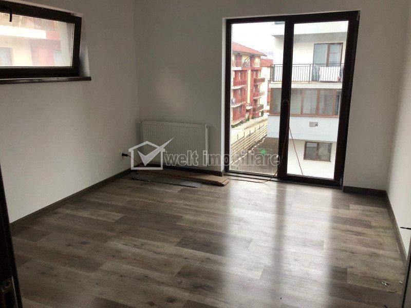 Apartament 3 dormitoare, 65 mp, etaj 1, zona Sub Cetate