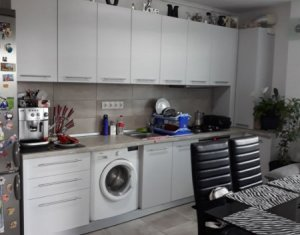 Apartament cu 2 camere, 54 mp, etaj intermediar, cu parcare, zona VIVO