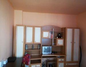 Casa, singur in curte, 2 camere, Semicentral