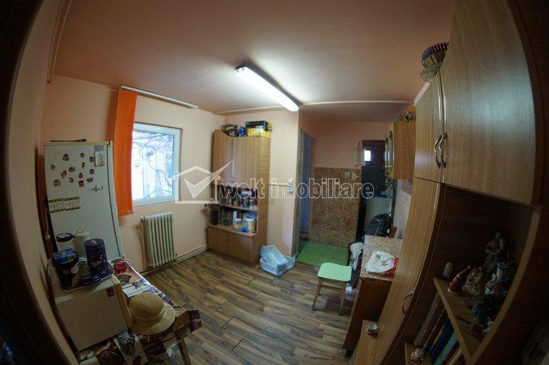 Posibilitate investitie, casa insiruita in curte comuna 200 mp