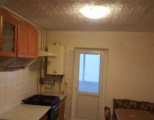 Apartament decomandat de 2 camere, etaj 1, zona Ion Mester