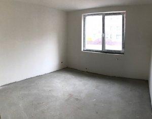 Apartament 2 camere, semifinisat, bloc mic, zona Sub Cetate
