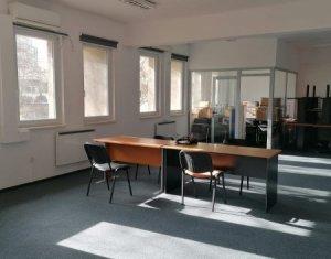 Spatiu birou, compartimentat 130mp zona Piata Cipariu,servicii administrare