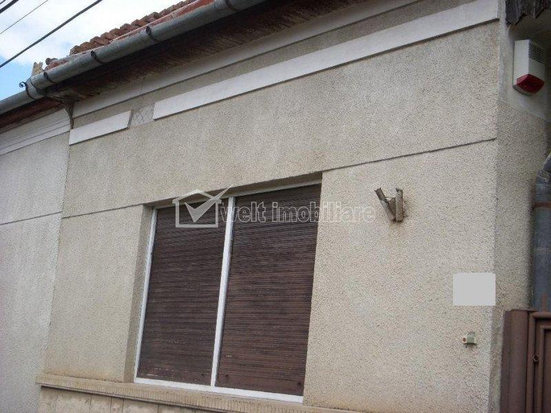 Casa individuala suprafata utila de 115 mp cu teren de 300 mp zona Piata Abator