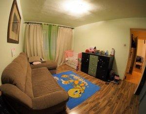 Apartament cu 4 camere decomadate, etaj intermediar, Manastur