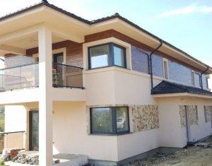 Casa de tip duplex, zona Iris, Valea Chintaului