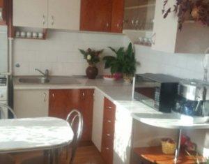 Apartament cu 2 camere, decomandat, 54 mp, balcon, etaj 2 din 8, garaj, Marasti
