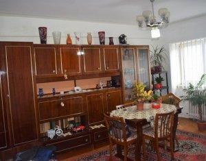 Apartament cu 3 camere decomandate, strada Louis Pasteur