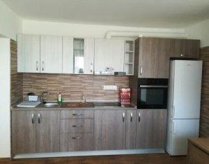 Închiriez apartament 3 camere, 50 mp, bloc izolat zona Gheorgheni