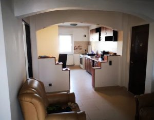 Apartament 4 camere, 80 mp, decomandat, balcon, etaj 3/4, In Marasti, finisat