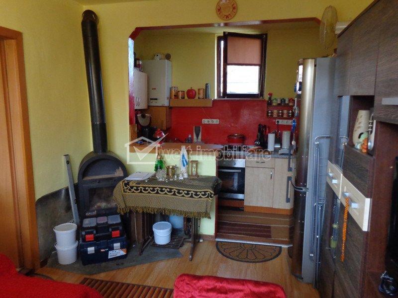 Singur in curte, casa 2 camere 57mp, 2 garaje, la 5 min de Kaufland Marasti