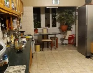 Apartament cu 3 camere, Gheorgheni, zona Interservisan