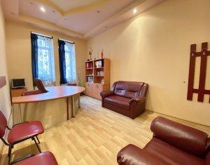 Inchiriere Apartament 3 camere decomandate, strada Horea. Posibilitate birou