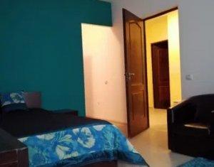 Apartament spatios, 2 camere, 52 mp, decomandat, balcon, etaj 1, Calea Turzii