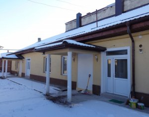 Casa insiruita, curte comuna, 60 mp, 5 min de Gara si Auchan Iris