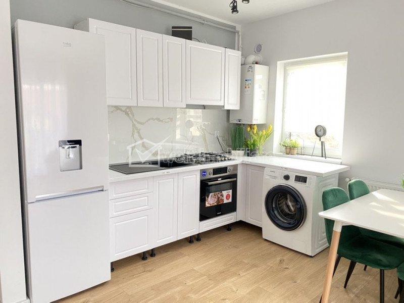 Vanzare apartament 2 camere, modern, Floresti, zona Teilor