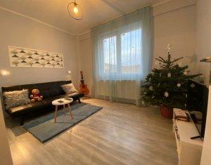Apartament cu 3 camere de vanzare, ultrafinisat, Floresti, zona Urusagului