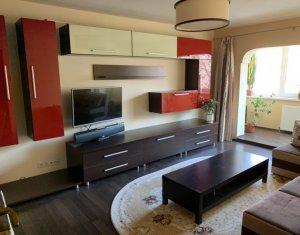 Apartament cu 3 camere decomandate, 70 mp, Plopilor
