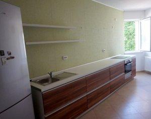 Vanzare apartament cu 3 camere, finisat, zona Restaurant Roata