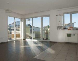 Vanzare apartament cu 2 camere, finisat, nemobilat, Floresti, strada Florilor