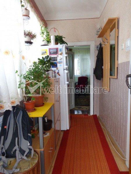 Casa individuala, 3 cam, garaj, 250mp curte, la 900m de pod IRA, in Someseni