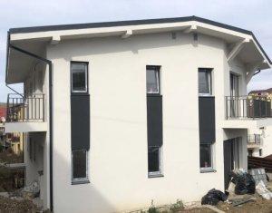 Vanzare apartament 3 camere, situat in Floresti, zona centrala