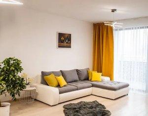 Inchiriere apartament lux 2 camere, parcare subterana, Centru