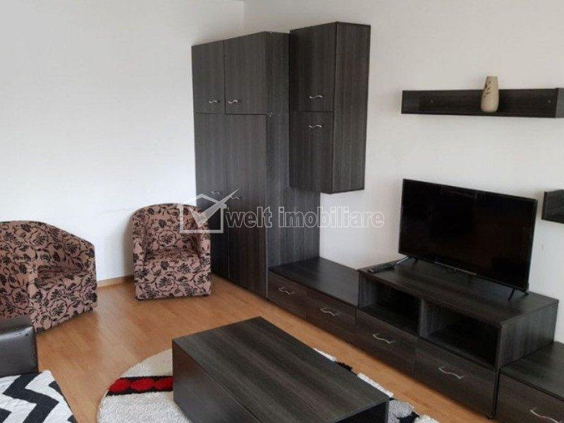 Apartament 2 camere, decomandat, 2 balcoane, garaj, Aurel Vlaicu