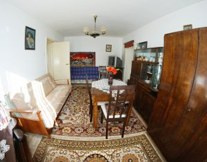 Apartament cu 2 camere semidecomandat, etaj 3 din 4, Horea