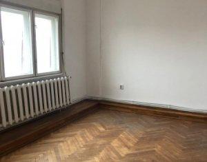 Inchiriere apartament cu 4 camere, 164 mp, Piata Cipariu