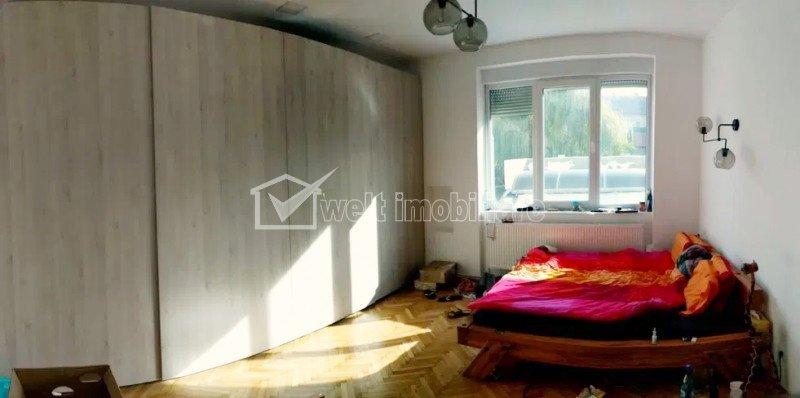 Apartament cu 3 camere, 103 mp, 3 bai, pivnita, dressing, camara, Centru