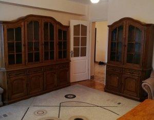 Chirie apartament 3 camere decomandate, etaj 4, zona Rebreanu, Gheorgheni