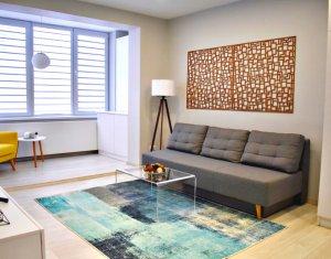 Apartament cu 2 camere, 54 mp, lux, finisat, mobilat si utilat, Centru!