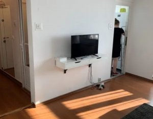 Apartament garsoniera 28 mp, balcon inchis,beci de 10mp, zona Kaufland