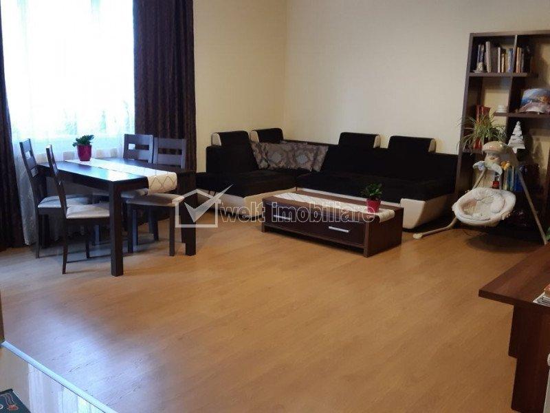 Apartament cu 3 camere, etaj intermediar, zona Vivo