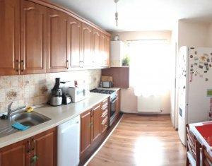 Apartament cu 3 camere decomandat, 2 bai, 2 balcoane, pivnita, Nicolae Titulescu
