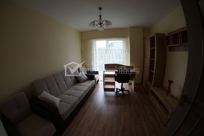 Inchiriere apartament 3 camere cu garaj, etaj 5 , bloc SCALA