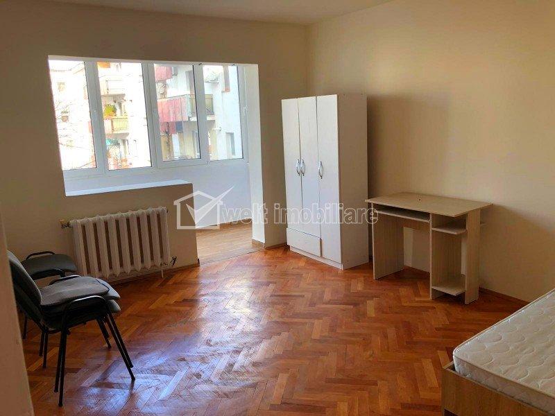Apartament 4 camere 80 mp decomandat 2 balcoane etaj 2 din 4 Kaufland Manastur