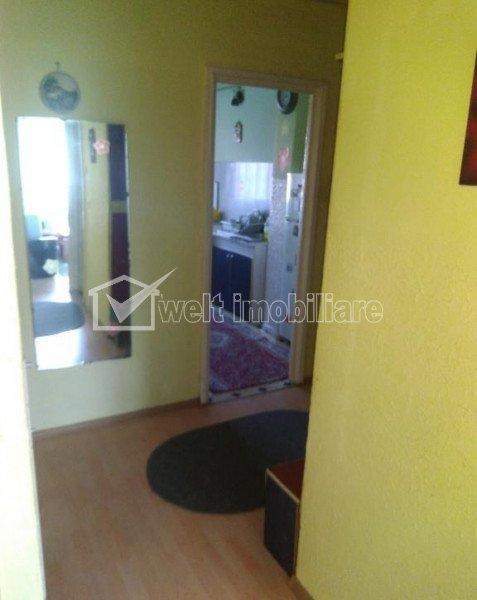 Apartment 5 rooms for sale in Cluj-napoca, zone Manastur