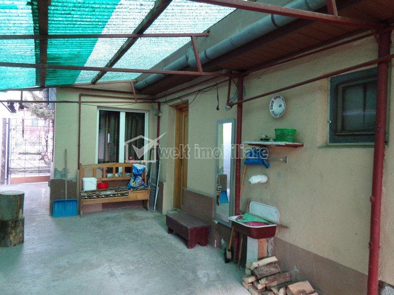 Casa 75mp, singur in curte, 2 unitati locative, curte 344mp, IRIS