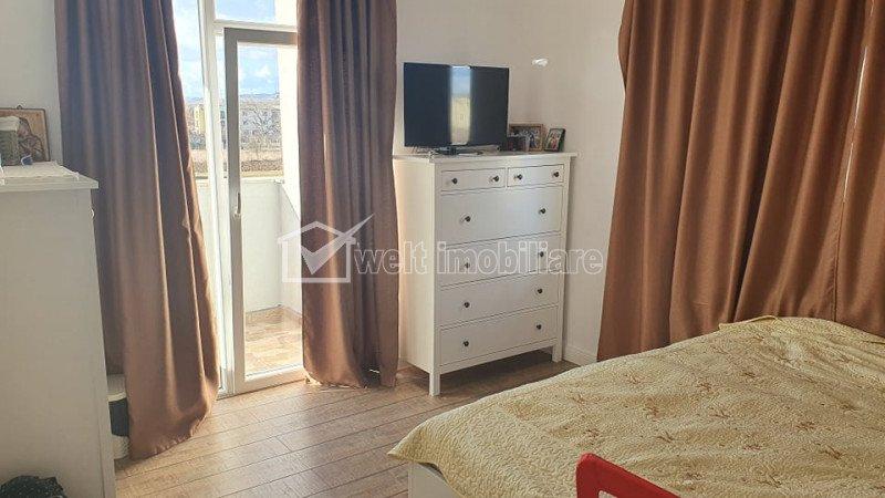 Vanzare apartament cu 3 camere, ultrafinisat, zona Sesul de Sus