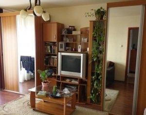 Apartamentu cu 4 camere,d ecomandat, 2 bai, 2 balcoane, Marasti