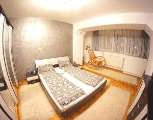 Apartament cu 3 camere 77 mp 2 balcoane etaj 7 din 8 zona Parcul Rozelor