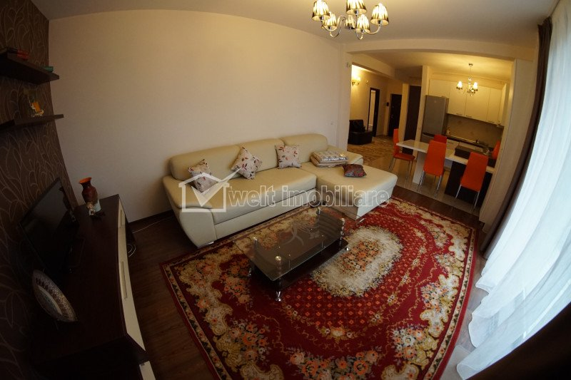 Apartament modern 4 camere, 4 locuri parcare, curte privata