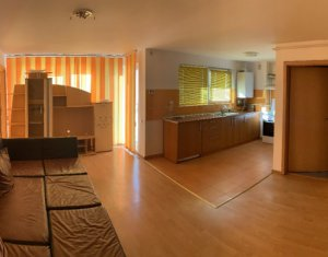 Vanzare apartament 3 camere, cu garaj in Floresti, zona Eroilor